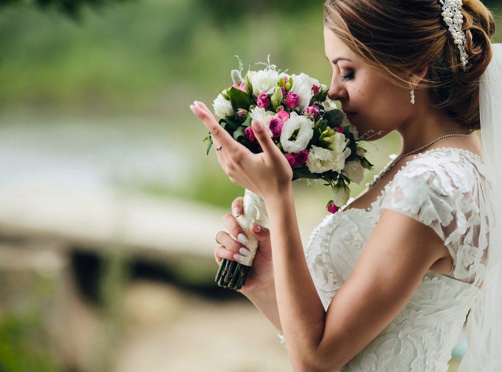 Celebrante Matrimonio Simbolico Piemonte : Wedding in italy hollytour